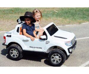 White Ford Ranger